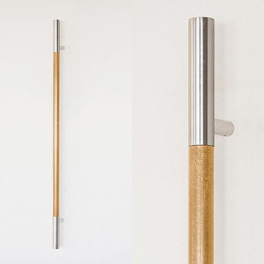 Pochwyt drewniany jasny do drzwi zewnętrznych aluminiowych