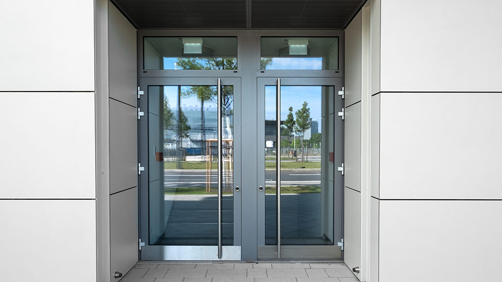 Aluminiowe drzwi do biura