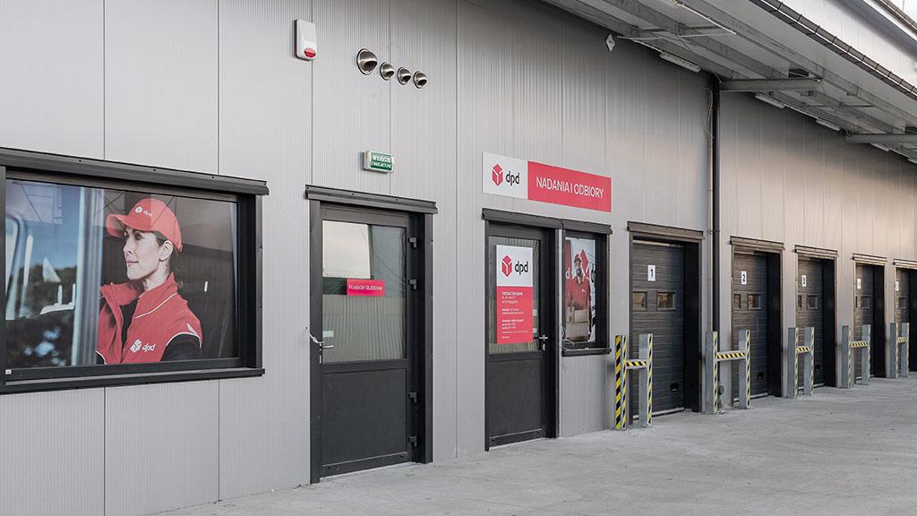 Drzwi aluminiowe do hali produkcyjnej