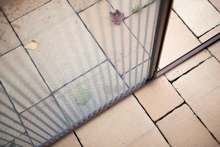 Oszczędność miejsca dzięki moskitierze plisowanej