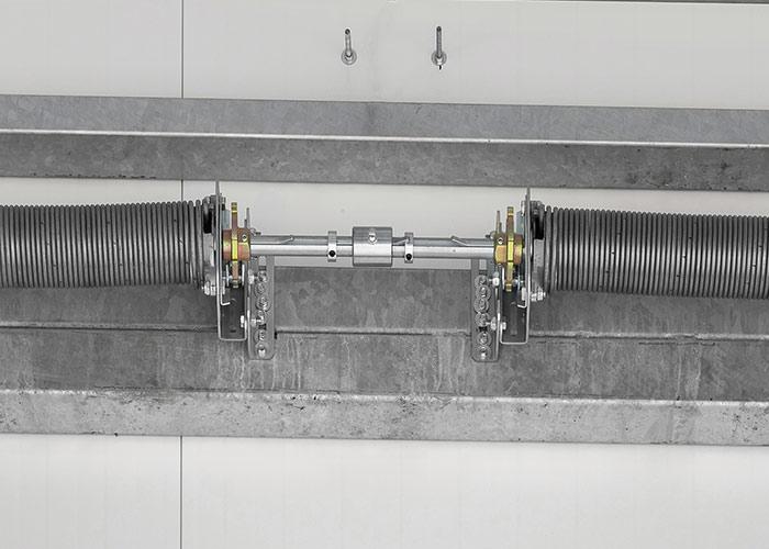 Bramy segmentowe wyposażone w zabezpieczenie przed pęknięciem sprężyn