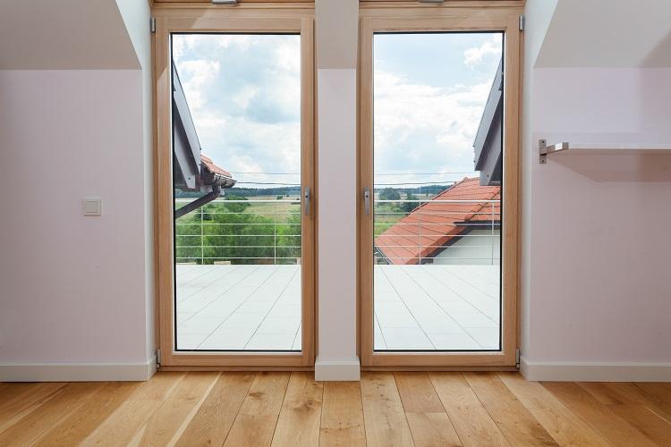 Moskitiera do okien drewnianych, PVC i aluminiowych