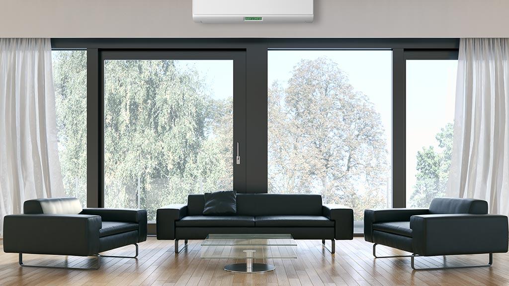 Wohnzimmer mit Terrassentüren