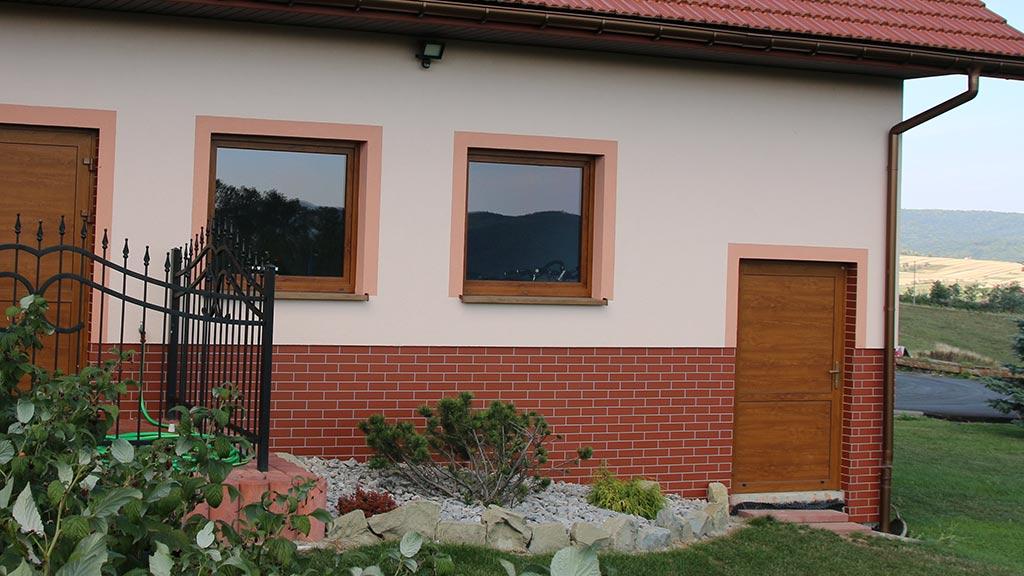 Seitentüren mit Paneelen