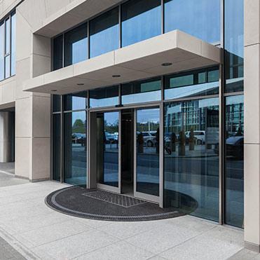 Fenster, Türen, Aluminiumfassaden vom Hersteller